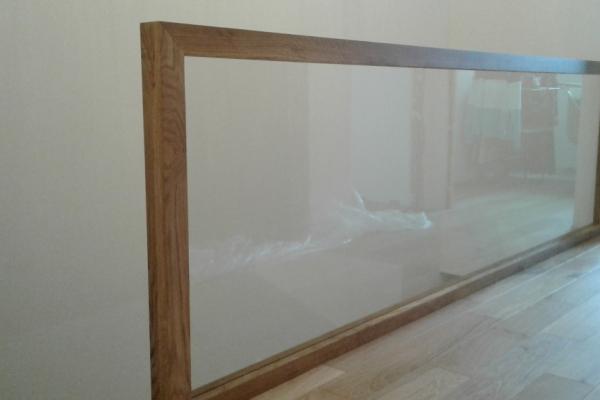 balustrada-drewniana-z-wypelnieniem-ze-szkla-bezpiecznego-przezroczystego-wroclaw44A2B111-B83F-070A-5A93-5720812D9C52.jpg