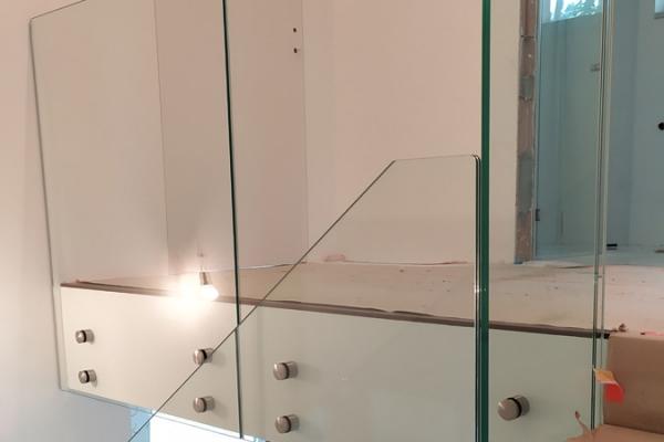 balustrada-szklana-samonośna-ze-szkła-hartowanego-laminowanego-przezroczystego-warszawa8DE935CA-5724-113E-7CDA-4C575AD64BB9.jpg