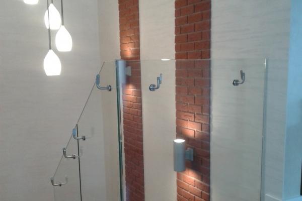 balustrada-szklana-samonosna-pod-pochwyt-drewniany-ostrzeszowFDA896EB-E848-00C0-94B6-82DF5B50B7D7.jpg