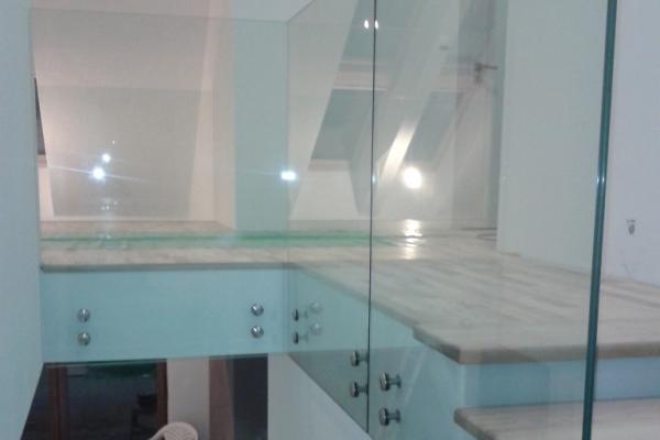 balustrada-ze-szkla-hartowanego-laminowanego-2x8-mm-optiwhite-mocowana-punktowo-warszawaA5DA47FA-EB2F-A6F5-5A73-C06FCBE8D4A3.jpg