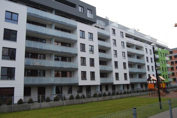 balustrada_ze_stali_nierdzewnej_z_wypelnieniem_szklanym_wroclaw_ul-nyska082061F6-0221-4914-08ED-2A33B5203FF5.jpg