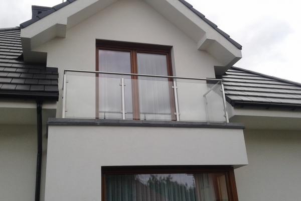 systemowa-balustrada-szklana-ze-stali-nierdzewnej-kalisz6265249D-8C53-3D2F-C1C0-F39491C66656.jpg
