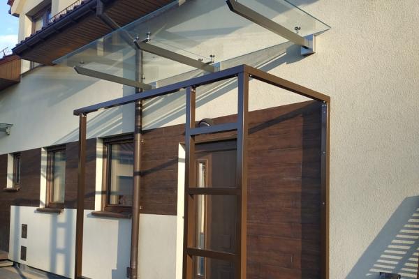 daszek-szklany-na-podkonstrukcji-ze-stali-nierdzewnej-szlifowanej-wrocław5112EF63-7F3C-7DCB-D6D6-B555C4C7A18F.jpg