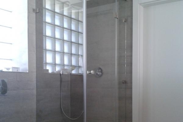 kabina-prysznicowa-szklana-narozna-wroclawEE07D3A3-9A5F-76B6-8EC3-A0C1CD648C78.jpg