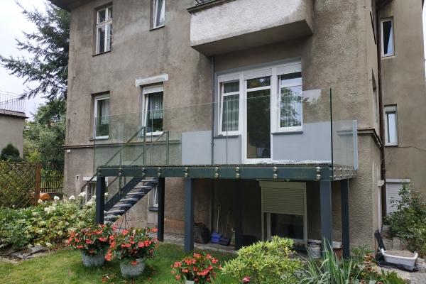 konstrukcja-tarasu-wraz-ze-schodami-i-deskami-tarasowymi-wrocławECAE5731-EF34-BFC8-C864-215940419EDC.jpg
