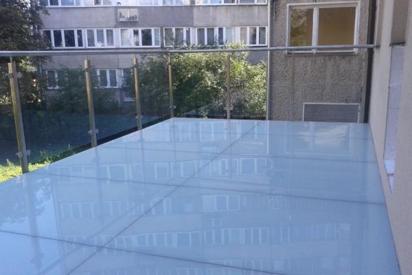 szklana-podloga-tarasu-na-podkonstrukcji-stalowej-ze-stali-zwyklej-cynkowanej-lakierowanej-wroclaw1F1D95C2-A347-FB5D-A6BB-39CDFBBAF6C6.jpg