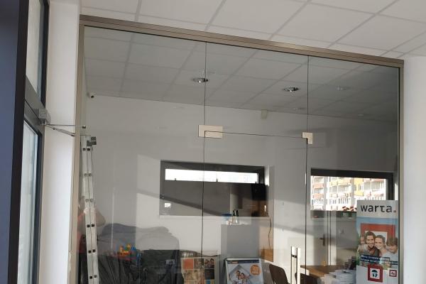 zabudowa-biurowa-ze-szkła-na-podkonstrukcji-ze-stali-nierdzewnej-lubinA97D9E6C-AD42-D141-5394-CFD3DF873C4B.jpg